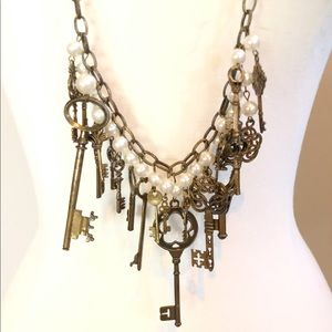 Plunder steampunk skeleton key Pearl necklace